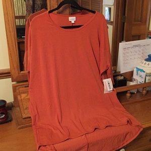 Lularoe Irma shirt in XL. Fits more like a 2-3x